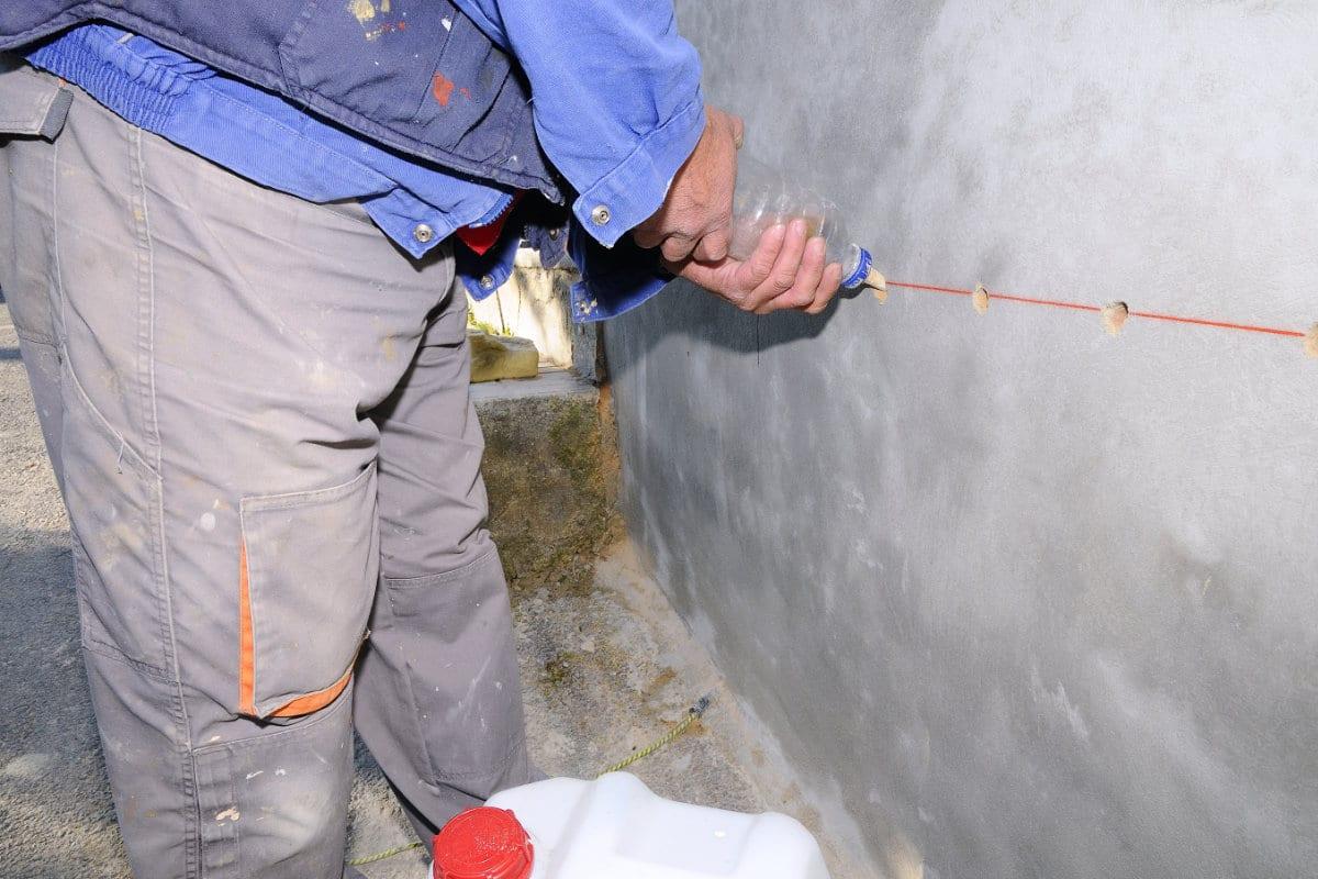 Muren injecteren tegen opstijgend vocht